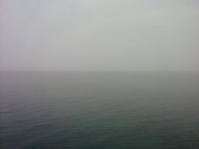 水平線しか見えないけれど
