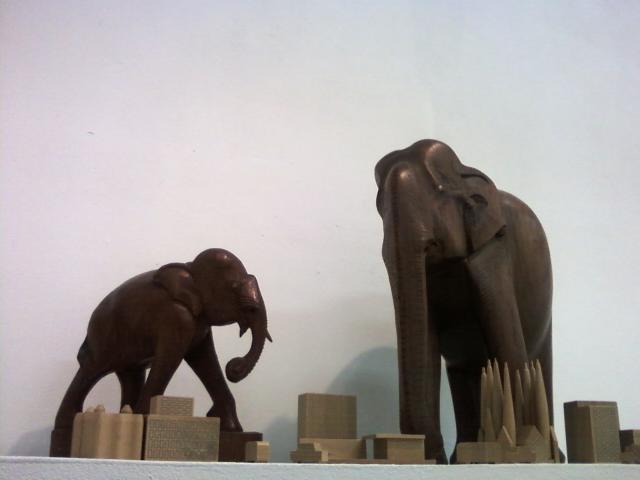 像が街にやってきた!3D
